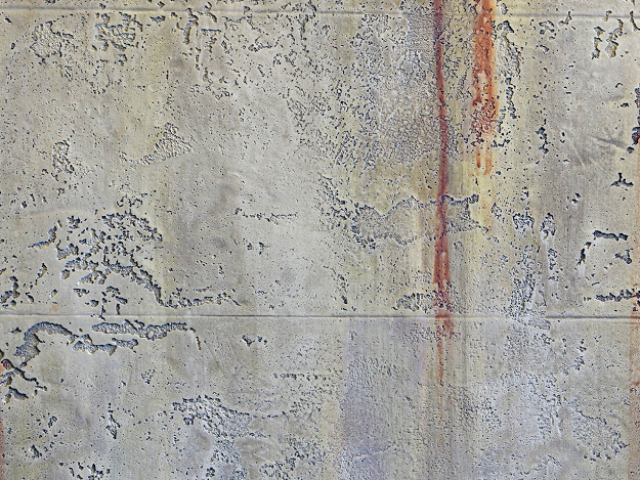traventino rđa na zidu