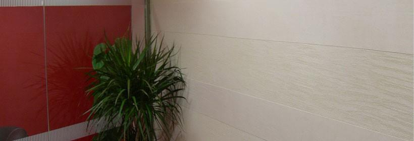 traventino u hodniku